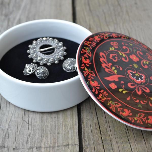 Telemark Vest lite smykkeskrin i porselen